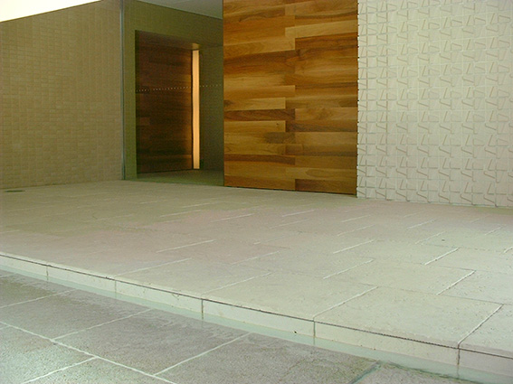 炻器質無釉大型陶板床2